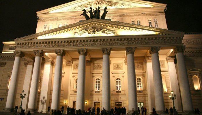 Сходить в театр или кино в России можно будет не раньше середины лета
