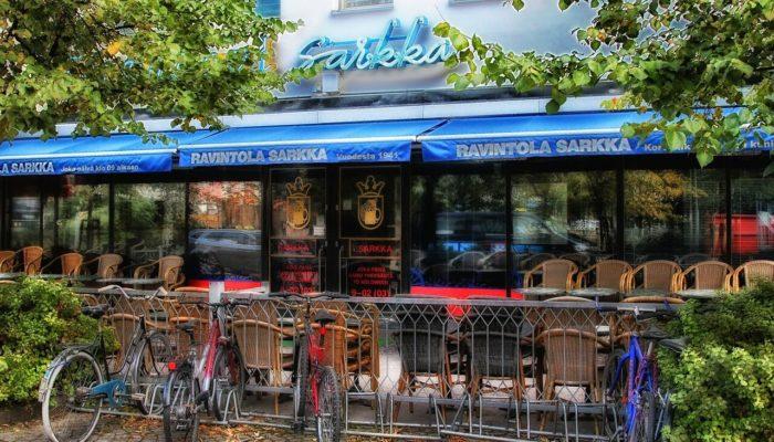 Финляндия и Норвегия открывают рестораны и бары