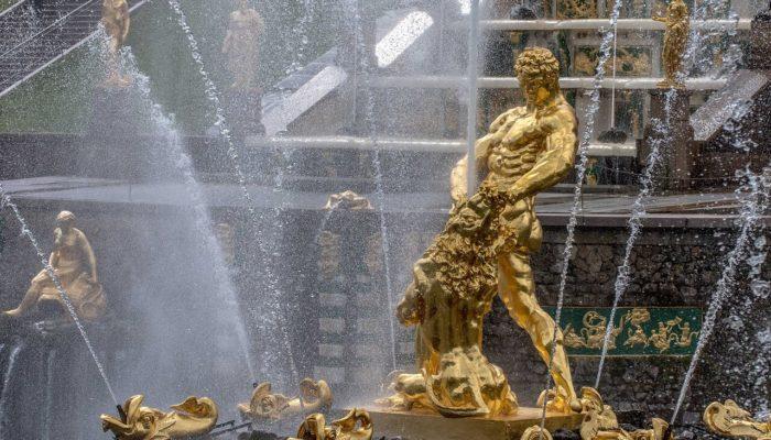 Санкт-Петербург открывает парки и дает старт сезону фонтанов