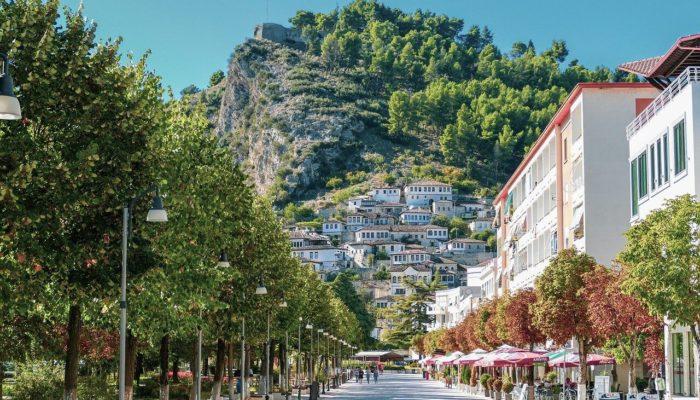 Албания приняла решение отменить визы для россиян до конца ноября 2020 года