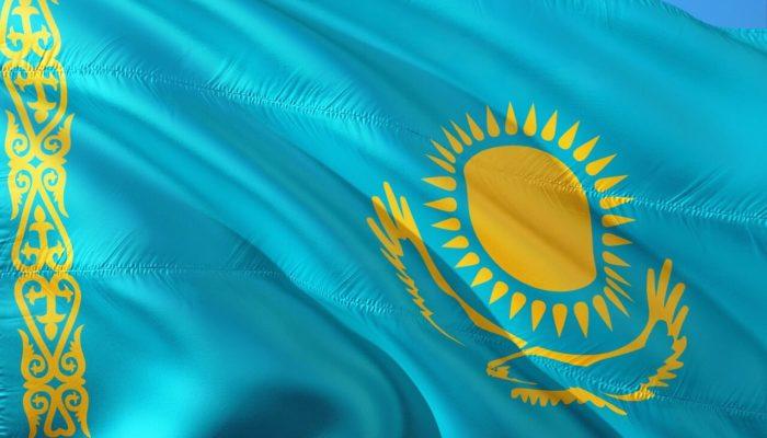 Казахстан планирует возобновить авиасообщение с Россией