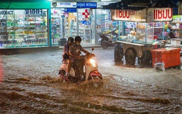 Южную Корею заливают сильнейшие дожди