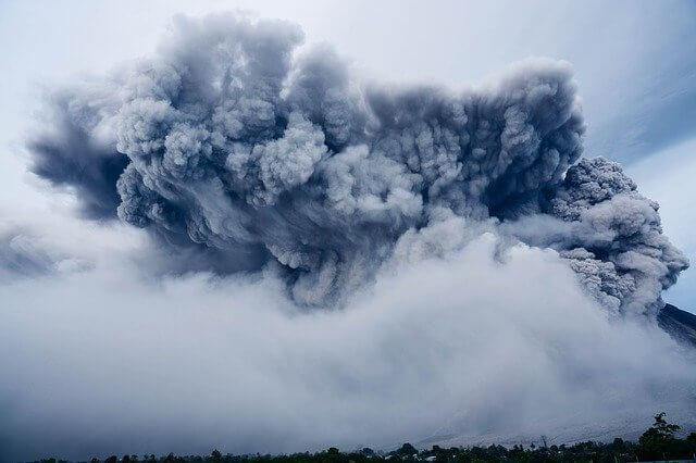 облако пепла