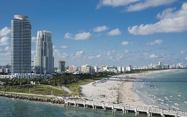 Штат Флорида снимает все коронавирусные ограничения