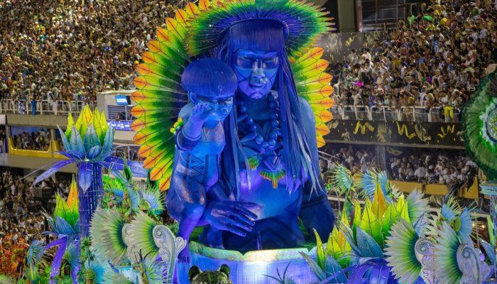 Знаменитый карнавал в Рио-де-Жанейро перенесен