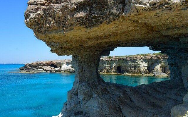 Европейские эксперты признали Кипр «единственным нормальным местом отдыха» этой осенью