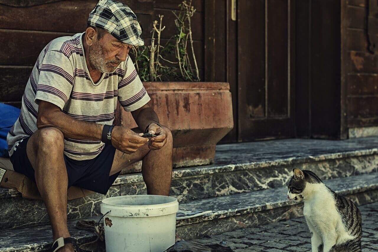 Пожилой человек в Турции