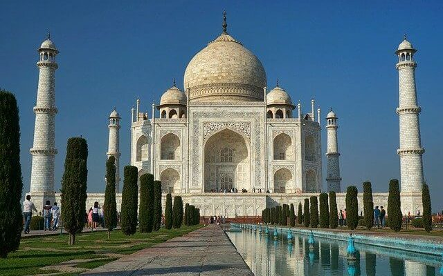 Тадж-Махал вновь открылся для туристического посещения