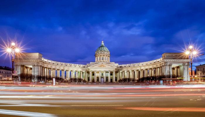 Какой город лучше — Москва или Санкт-Петербург?