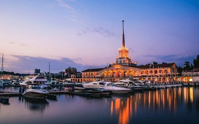 Октябрь в Сочи напоминает разгар летнего сезона