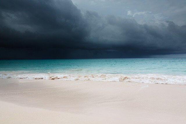 ураган пляж