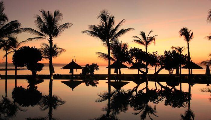 Бали планирует принимать иностранных туристов со следующего года