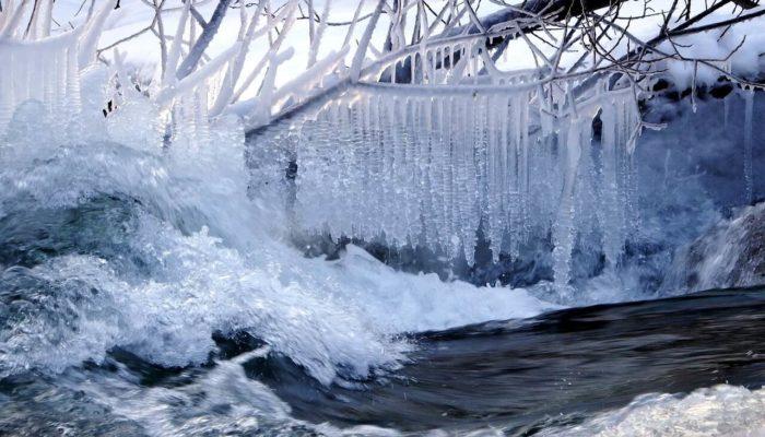В Приморье борются с последствиями ледяного дождя