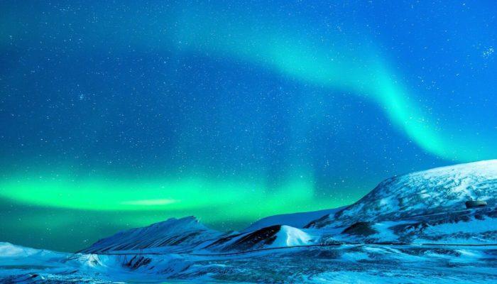 Мурманская область устанавливает знаки «Северное сияние»
