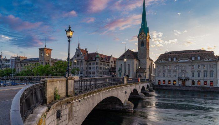 Швейцария может ввести «Пропуска свободы»