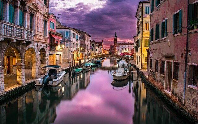 Венеция откладывает введение туристического налога