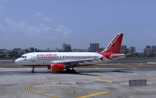 Самолет Air India с женским экипажем, совершил самый длинный пассажирский рейс