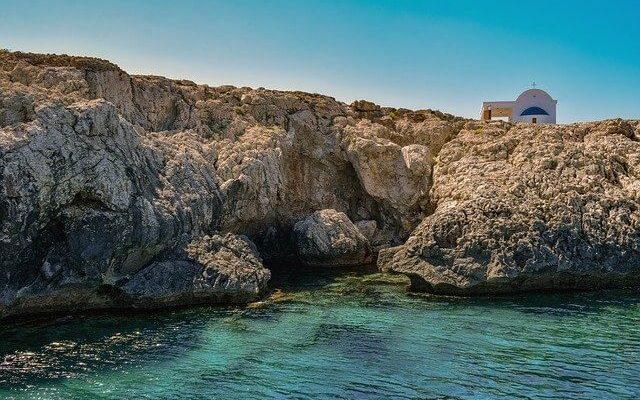 Кипр ждет россиян с 1 марта