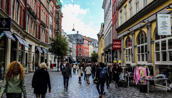 Опасные места Копенгагена украсят граффити и мозаикой