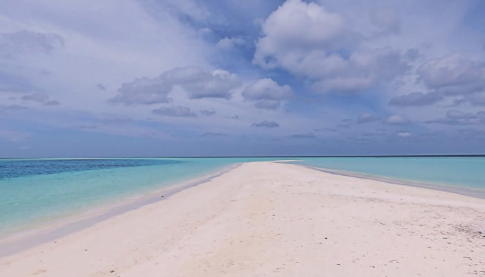 Туроператоры продлевают авиасообщение с Мальдивами