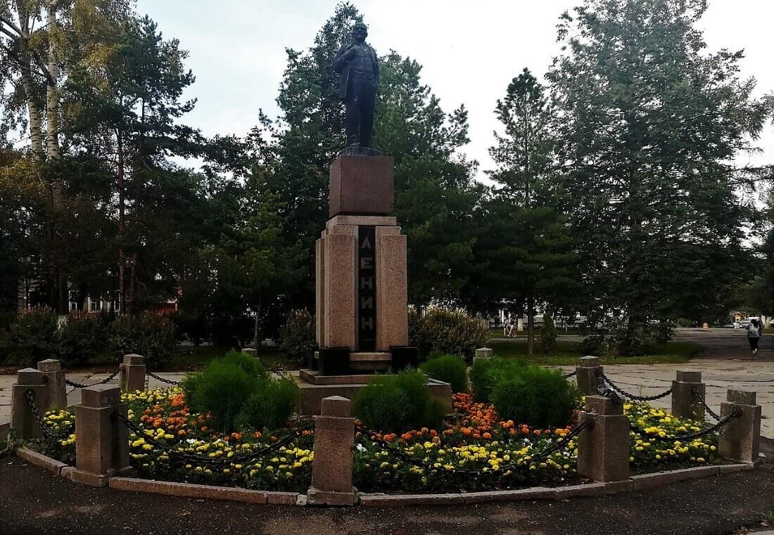 Малый памятник В.И. Ленину в Вологде