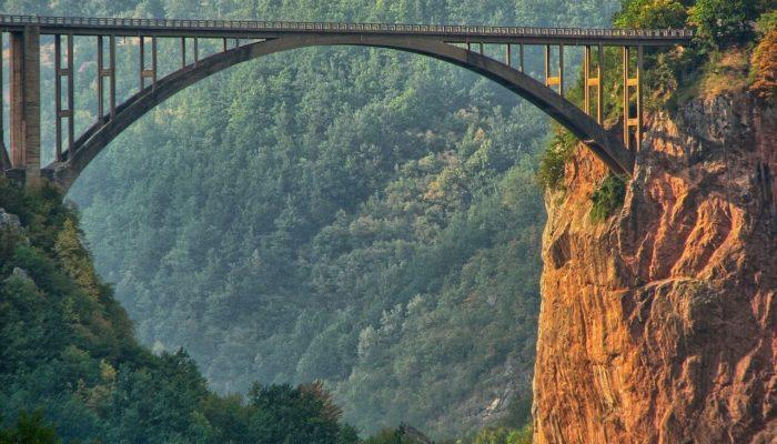 В Черногории подняли вопрос требования ПЦР-тестов при въезде