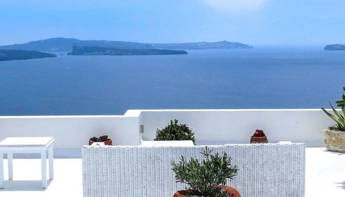 Греция открыла кафе и рестораны для посещения