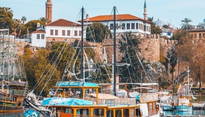 Власти Турции сообщили о продлении туристического сезона в этом году