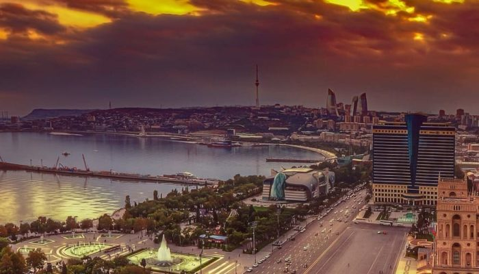 Азербайджан изменил условия въезда для россиян и турков