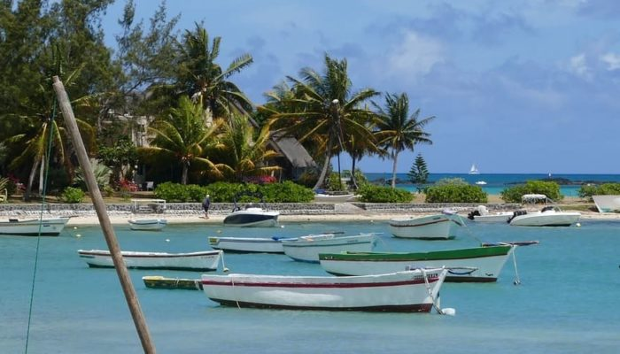 Остров Маврикий готов начать прием вакцинированных туристов в июле
