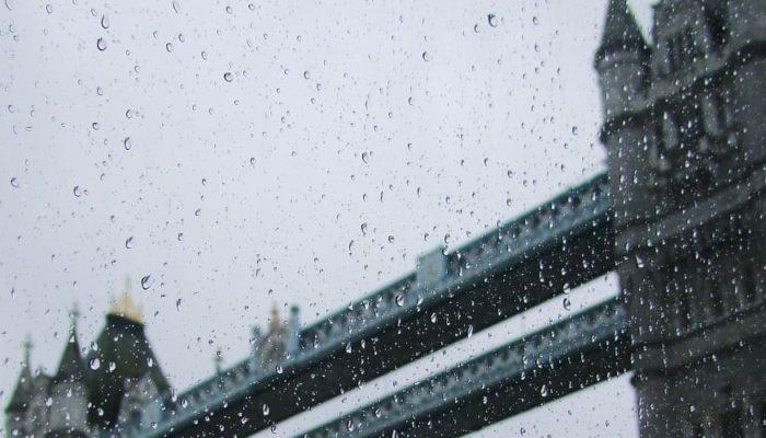 Лондон затопило, дожди идут и на юго-востоке Англии