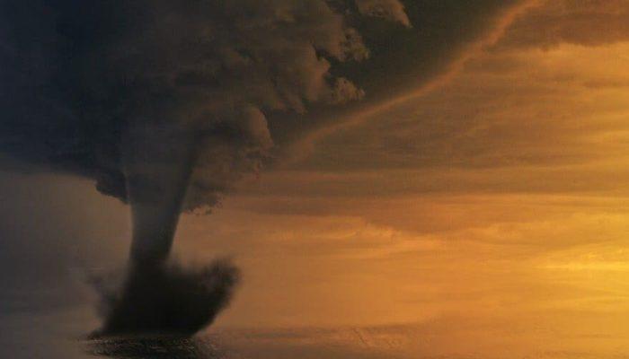 Мощный торнадо обрушился на Тверскую область
