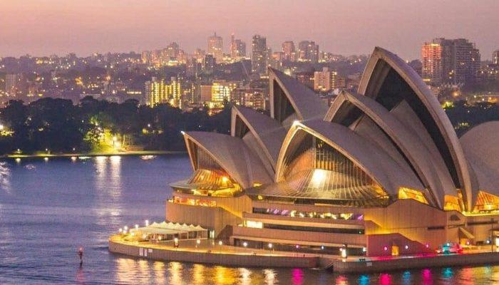 Австралия запустит процесс открытия страны уже в конце года