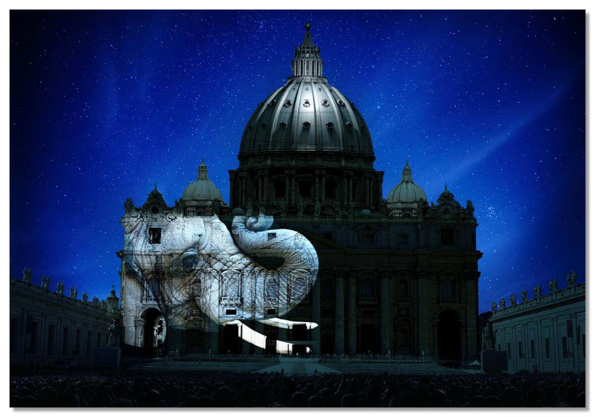 Световое шоу в Ватикане