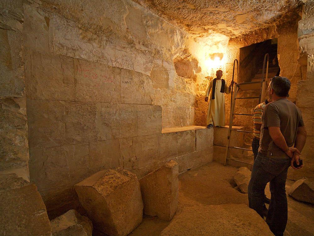 Еще в древности пирамиды Гизы считались одним из семи чудес