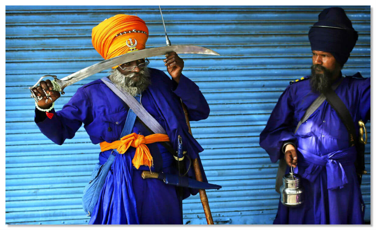 Индийский сикх-ниханг