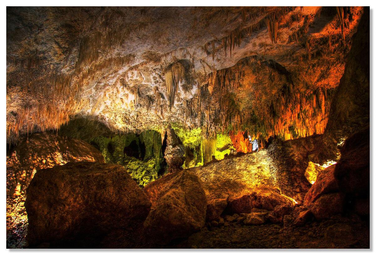 Национальный парк является одним из самых крупных в своем изобилии, разнообразии и красоте минеральных образований.