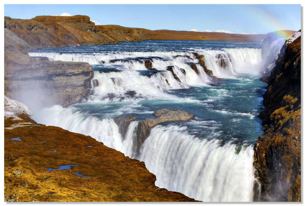 Очень красивое и посещаемое место в Исландии водопад Гюдльфосс