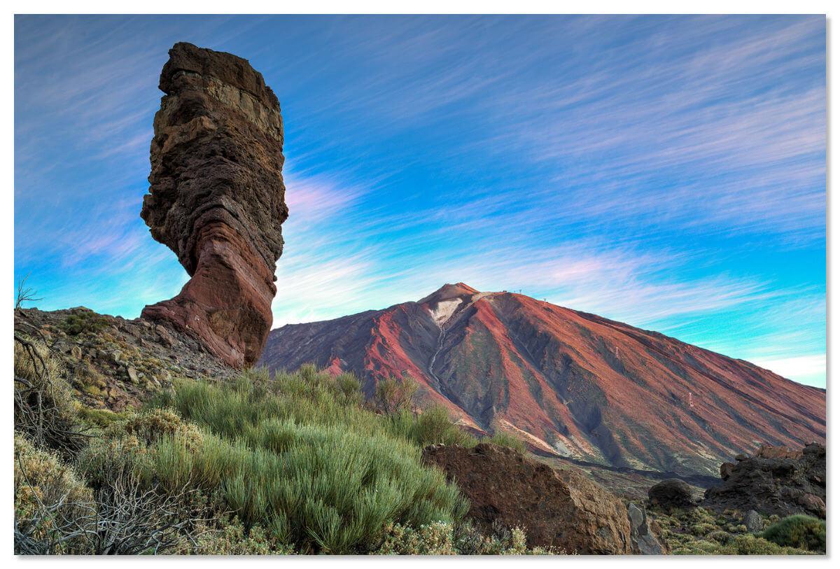 Самой известной скалой острова Тенерифе является Палец Бога
