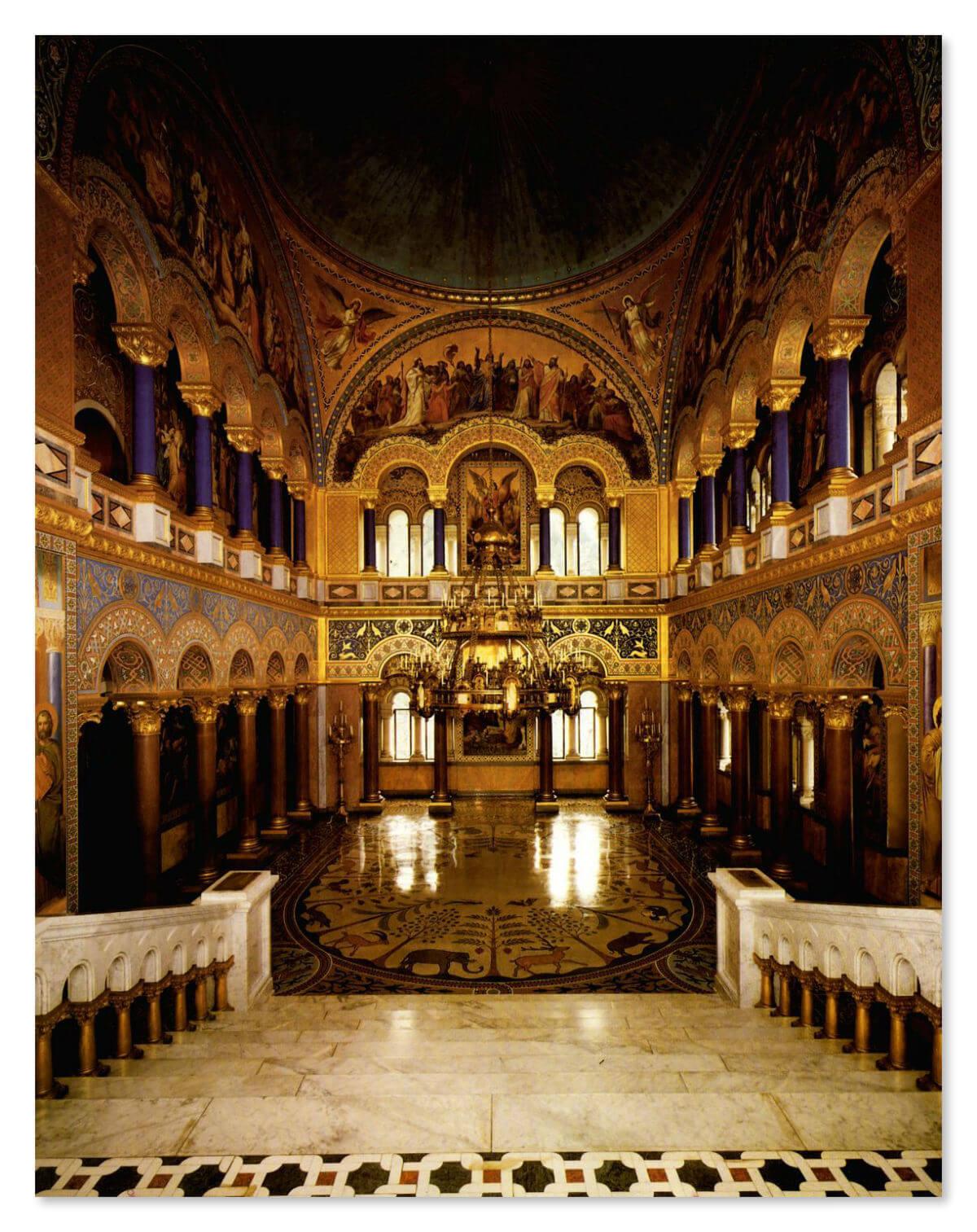 Тронный зал в замке
