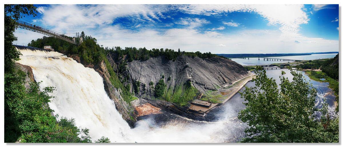 Водопад Монморанси - одна из впечатляющих достопримечательностей Канады