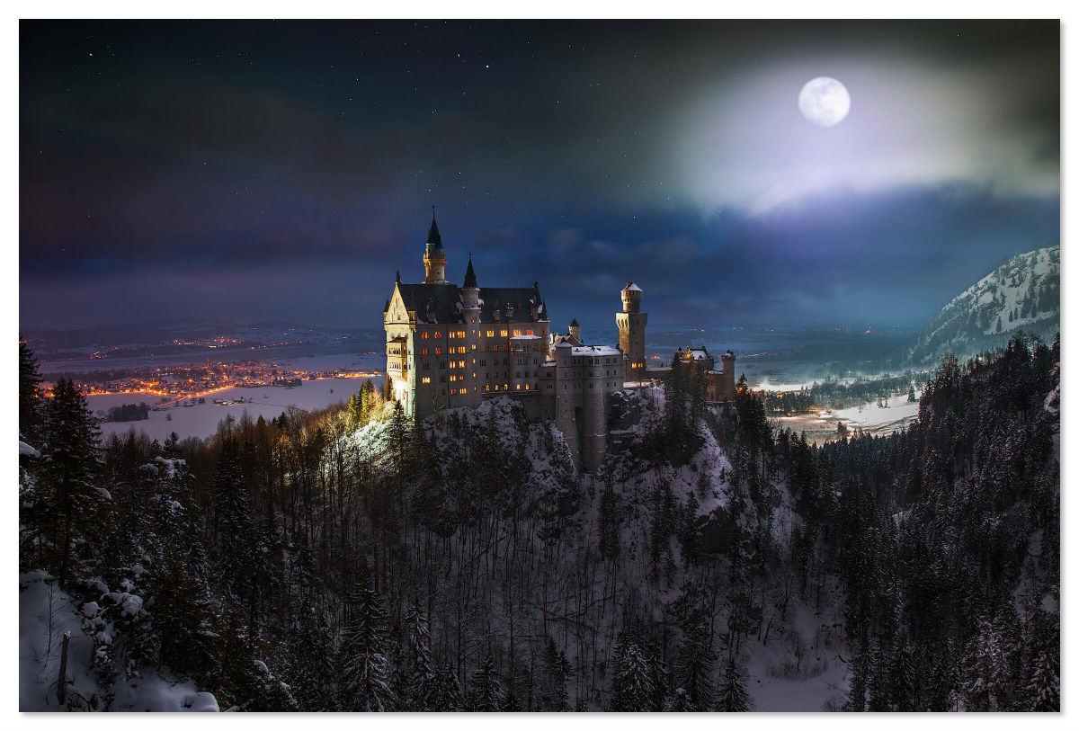 Замок Нойшванштайн ночью