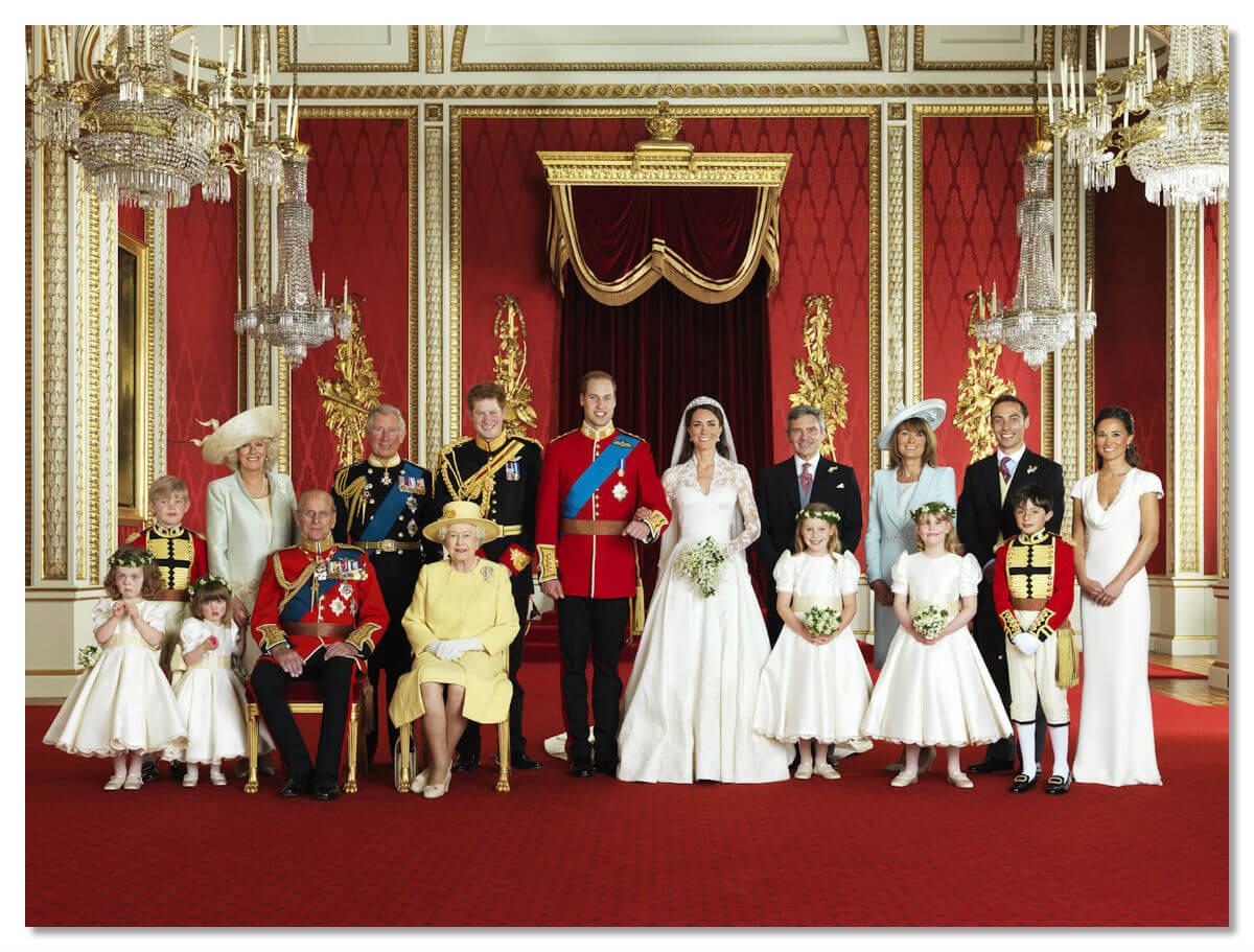 Королевская семья во дворце