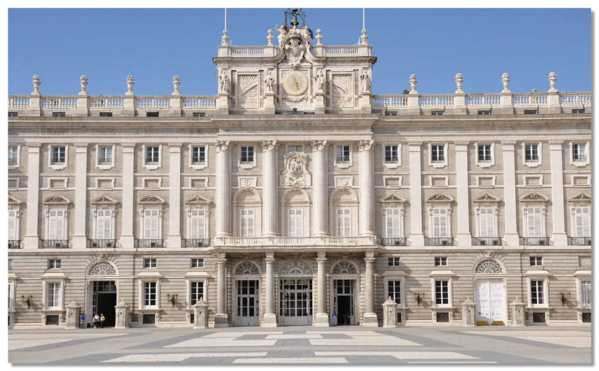 Королевский дворецв Мадриде