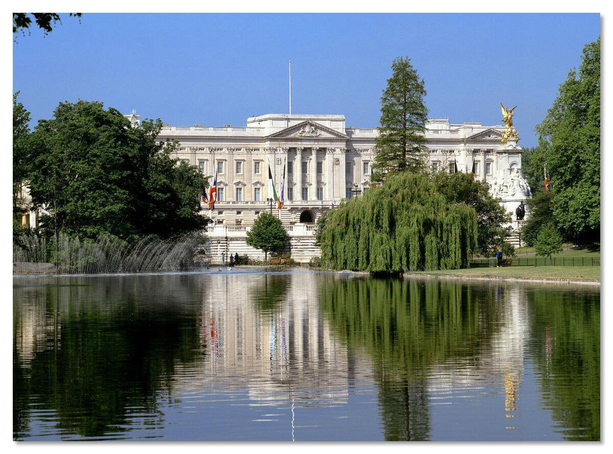 Озеро у Букингемского дворца