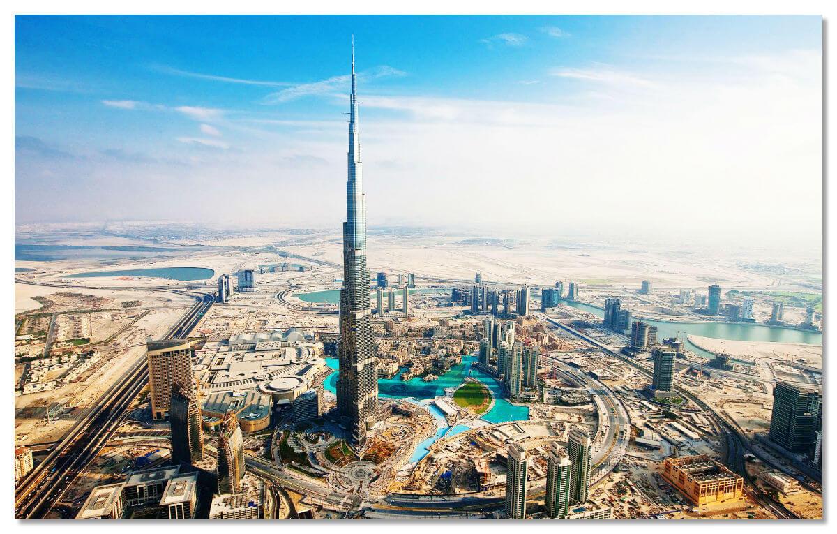 Бурдж Халифа создана по принципу вертикального города - этажи располагаются блоками, предназначенными для разных функций