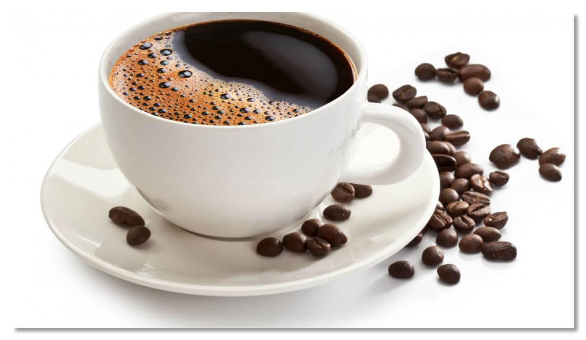 Кофеин и много жидкости — отличный рецепт беспокойной ночи.