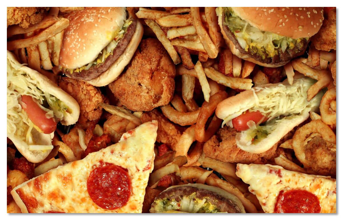 Удержать вас от вкусного гамбургера перед полетом может разве что нежелание употреблять лишний холестерин.