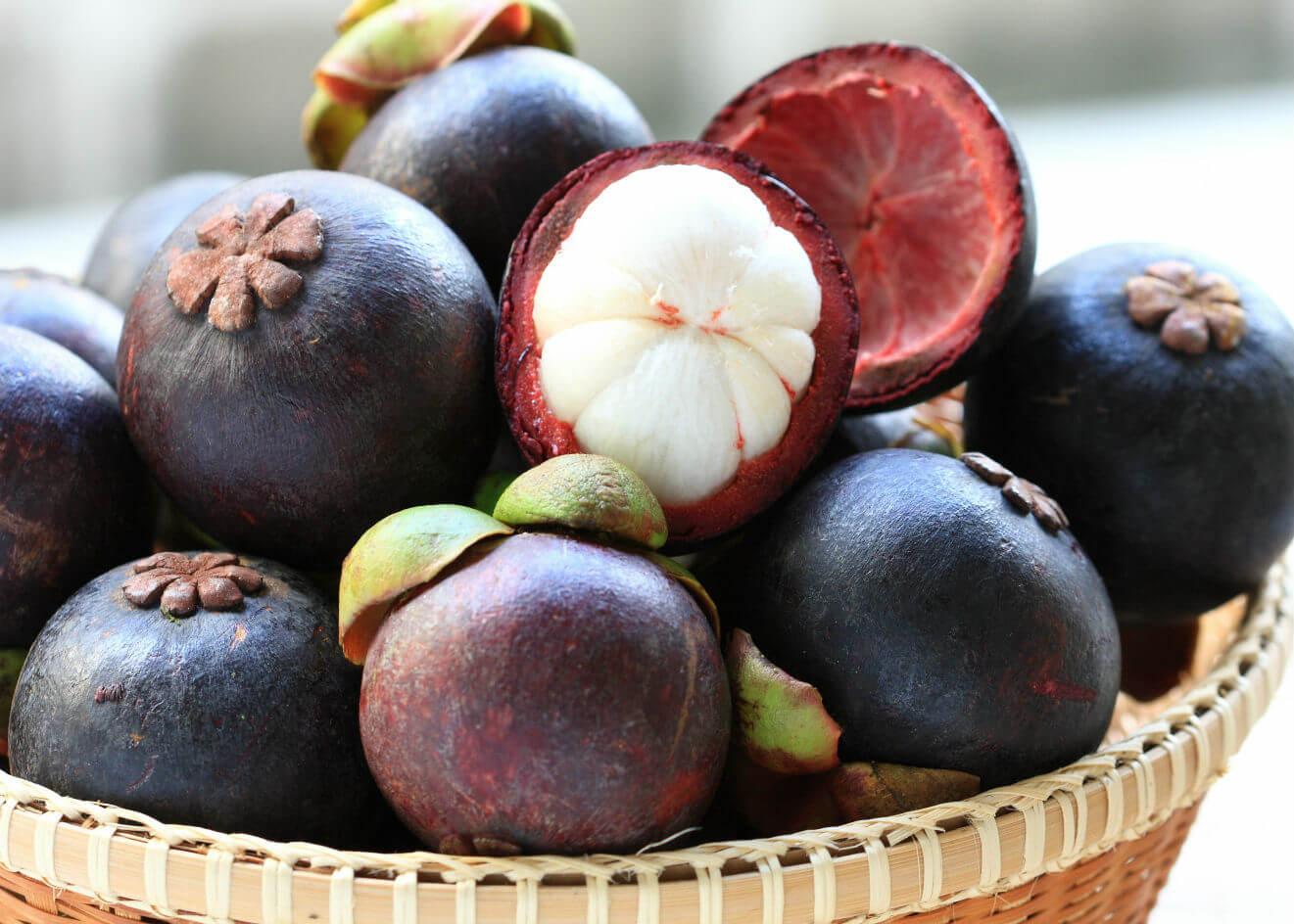 Мангостин иногда называют «фруктом богов»