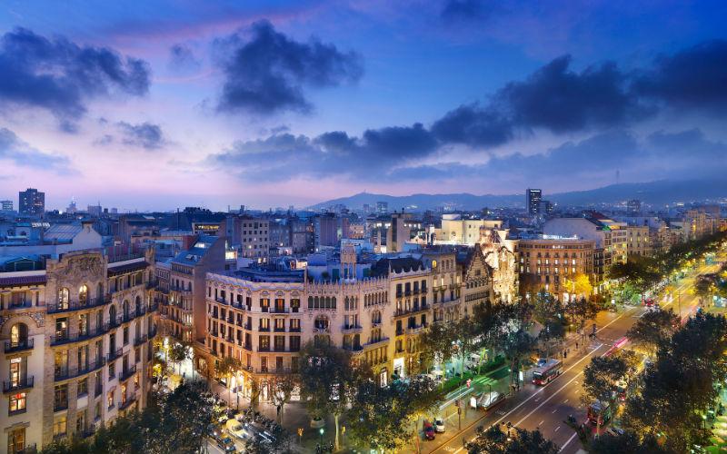 Барселона борется за летний сезон